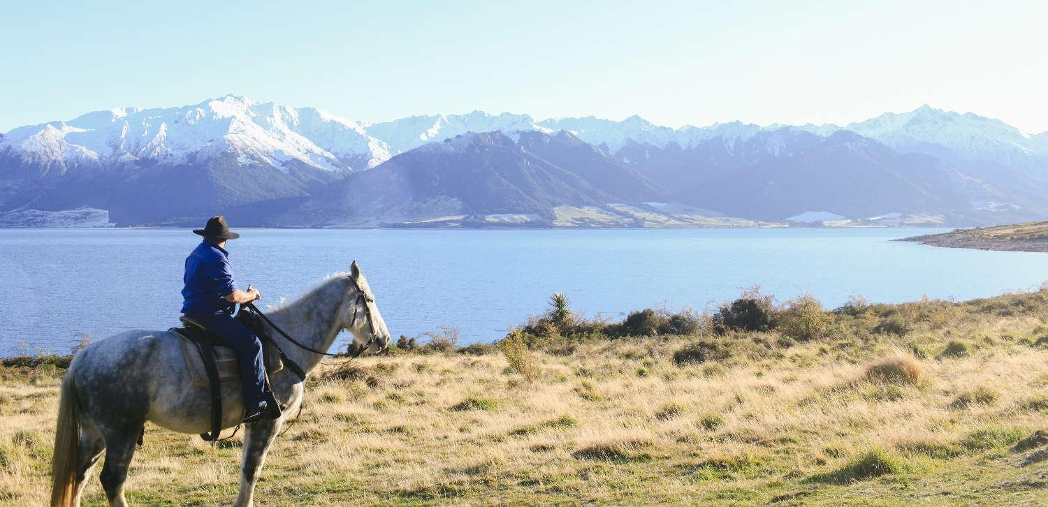 Best horseback tours Lake Hawea