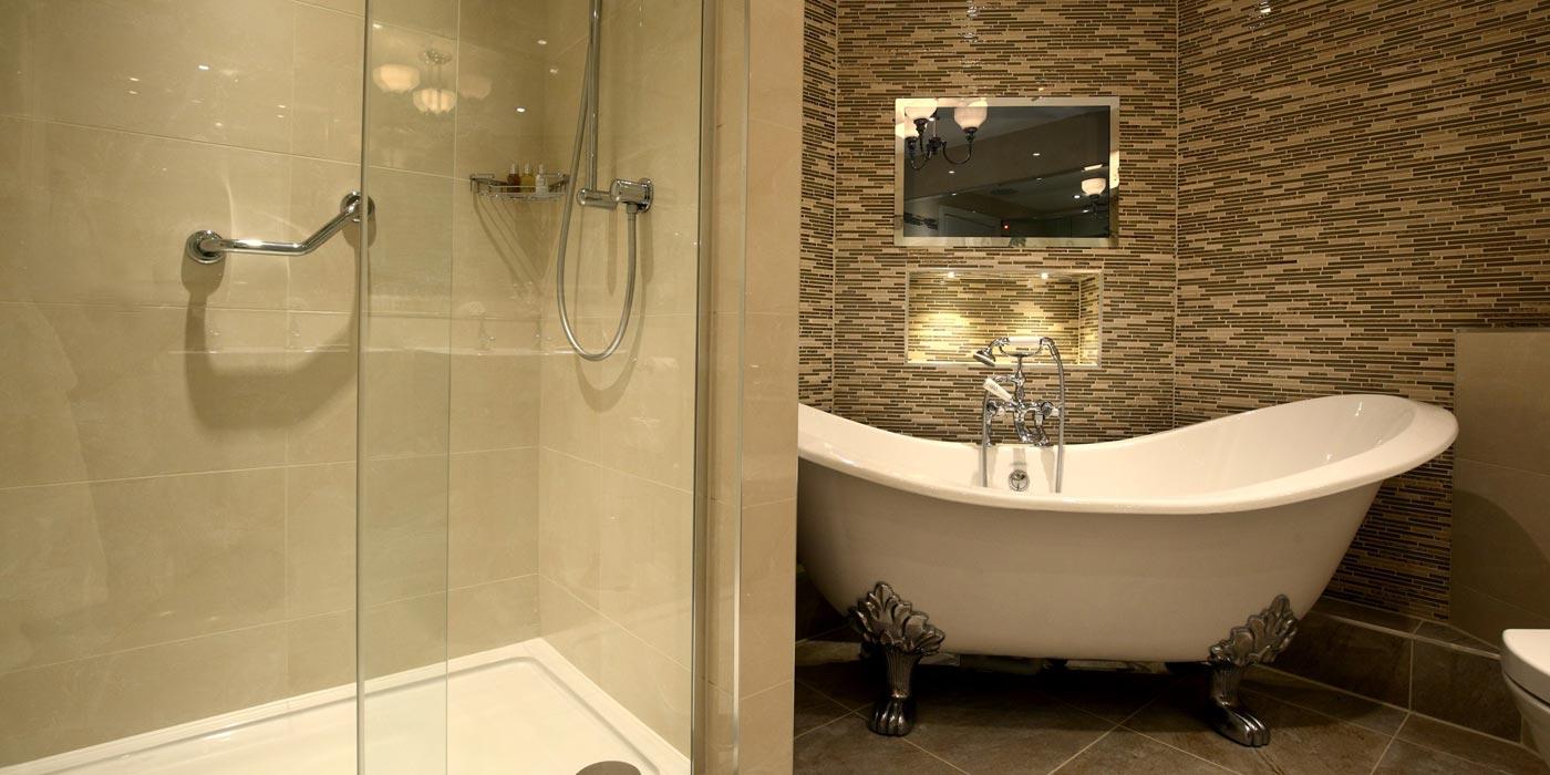 Macdonald-Bath-Spa---Belgrave-Suite-Bathroom