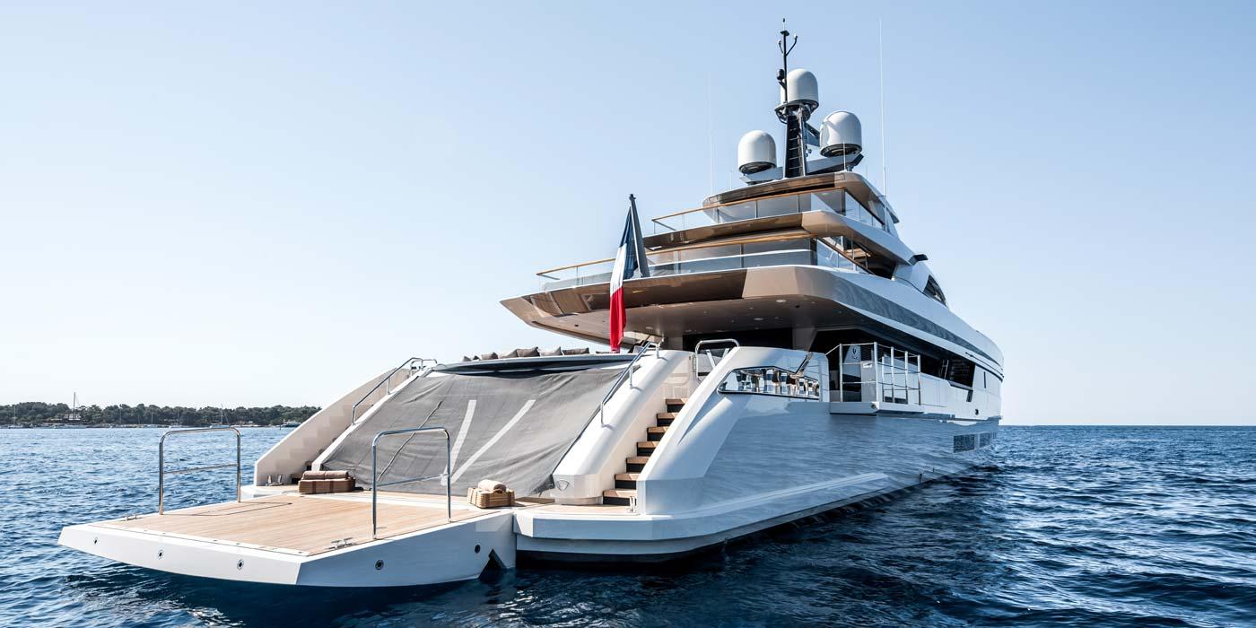 Vertige luxury yacht charter