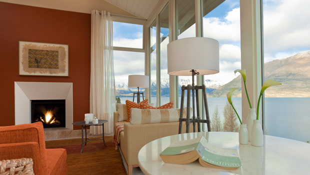 ML---Suite-Interior-Shot-Remarkables-view-July-2010
