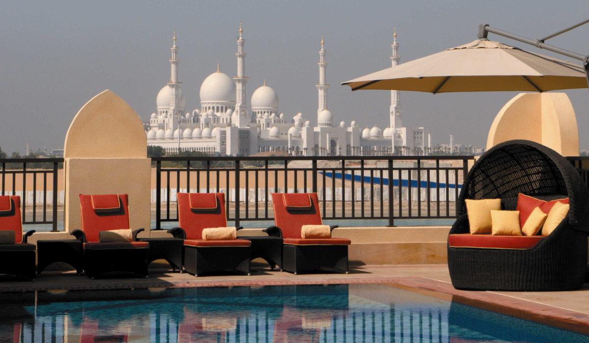 Shangri-la pool Abu Dhabi