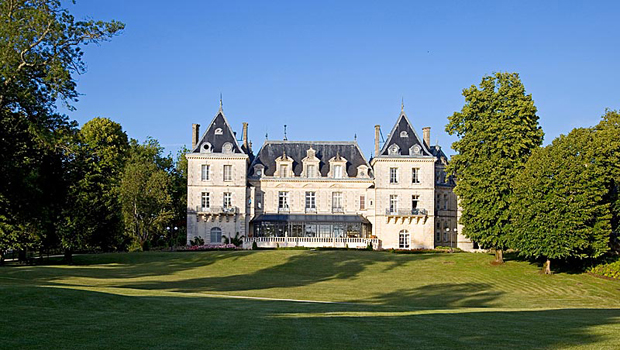Best castle hotels signature luxury travel style for Hotels near bordeaux france