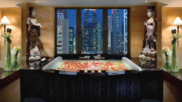 hong-kong-suite-mandarin-suite-bathroom-01