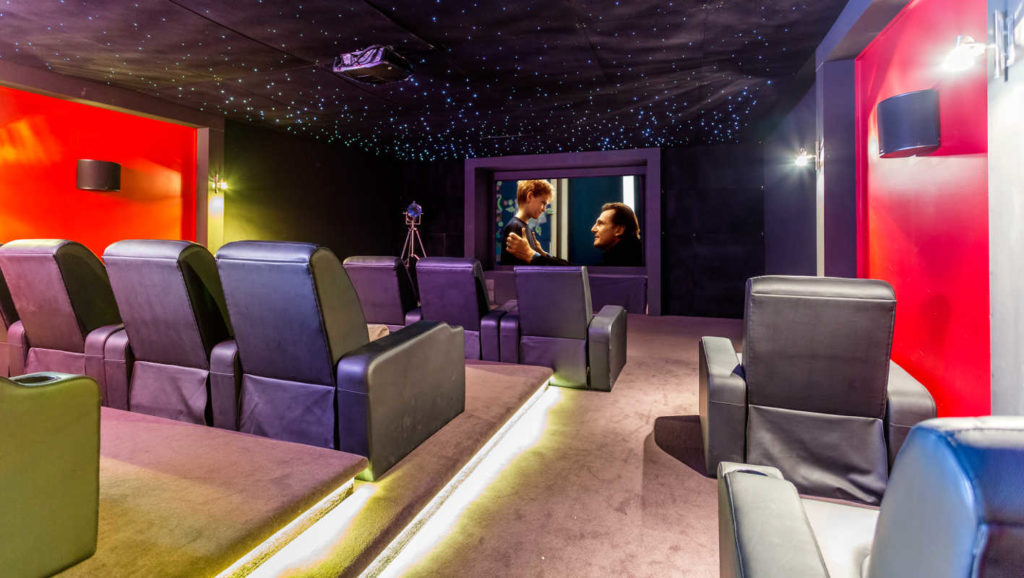 starhaven-retreat-a-grand-design-cinema