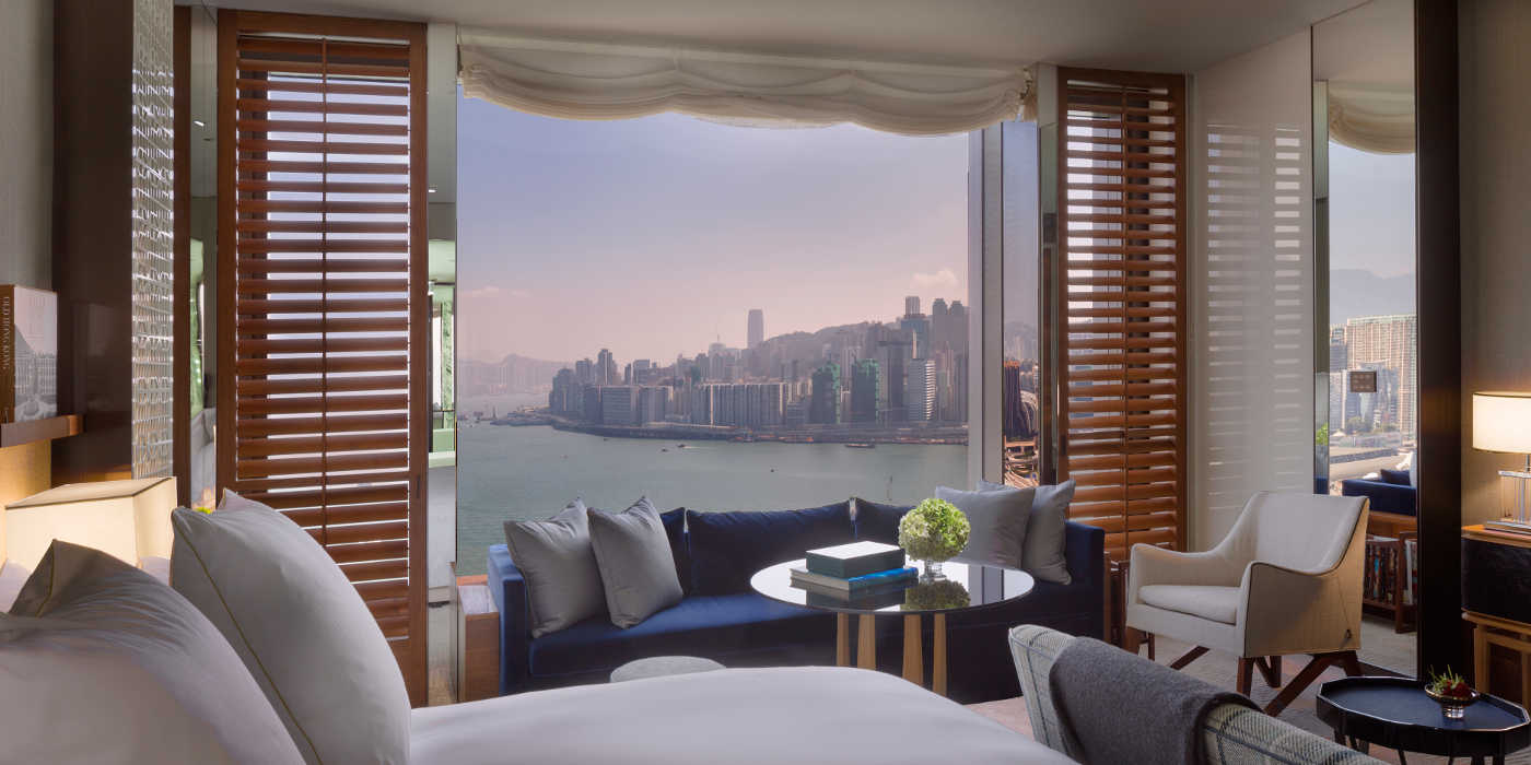 Rosewood Hong Kong Harbour View Room | © Durston Saylor