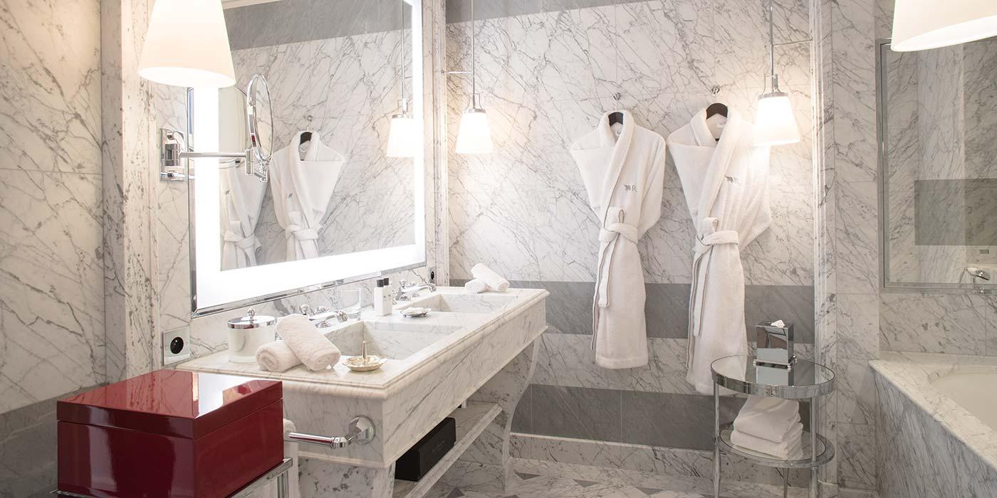 Bathroom in the Junior Suite