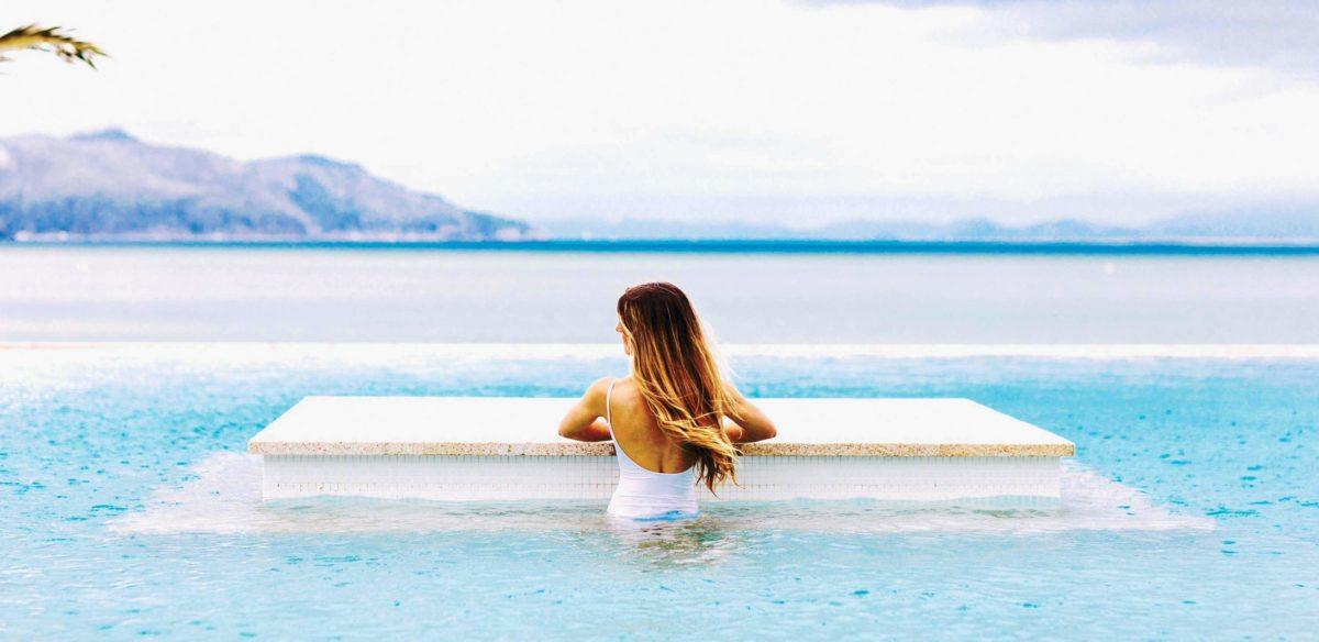 Infinity pool at Hayman Island by InterContinental
