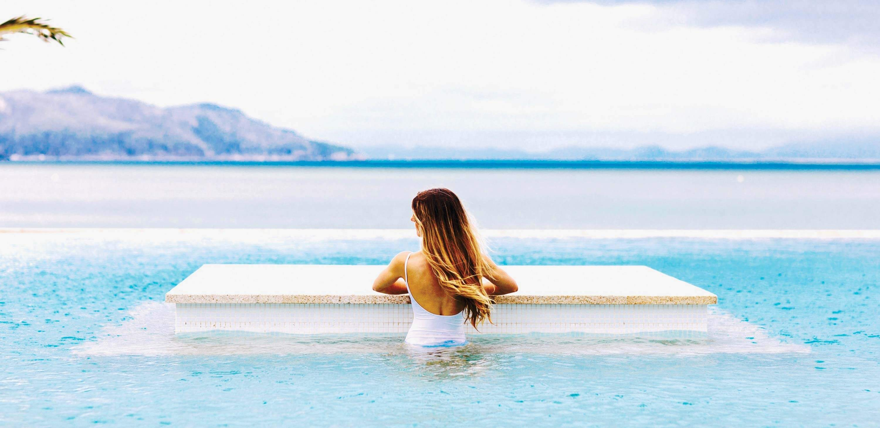 Infinity pool at Hayman Island by InterContinental