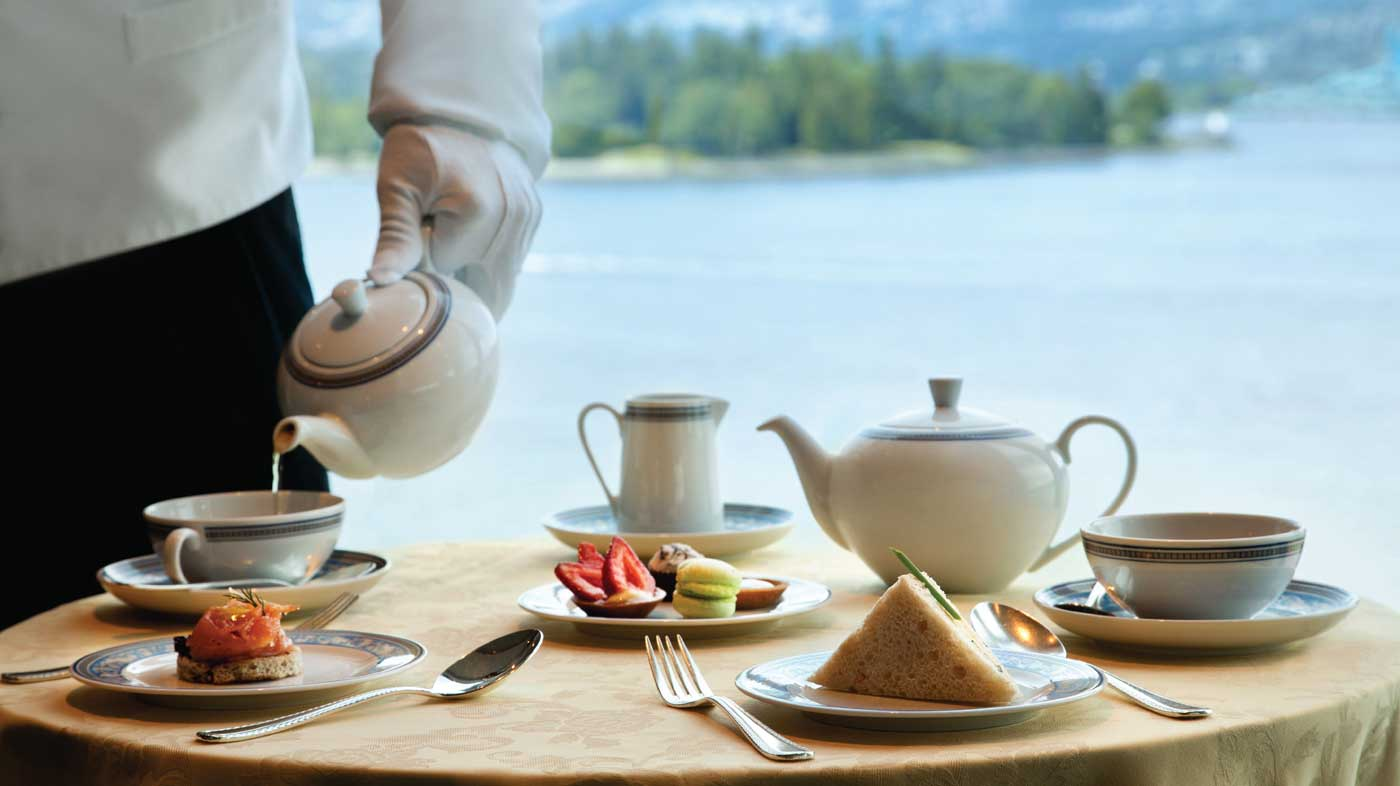 Oceania Cruises daily afternoon high tea