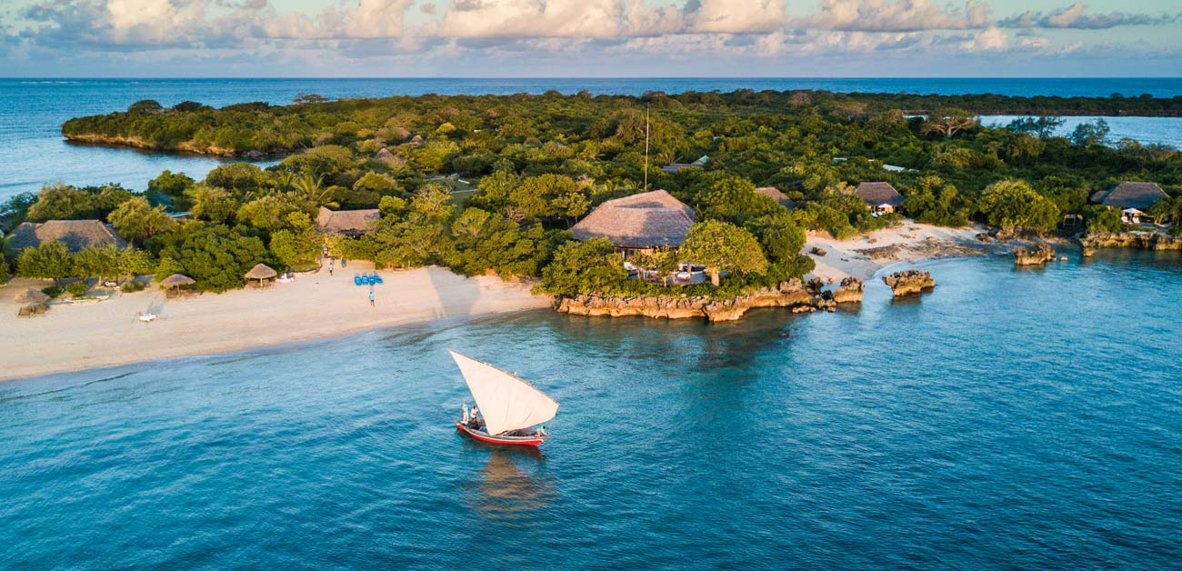 Sailing by Azura Quilalea's main beach