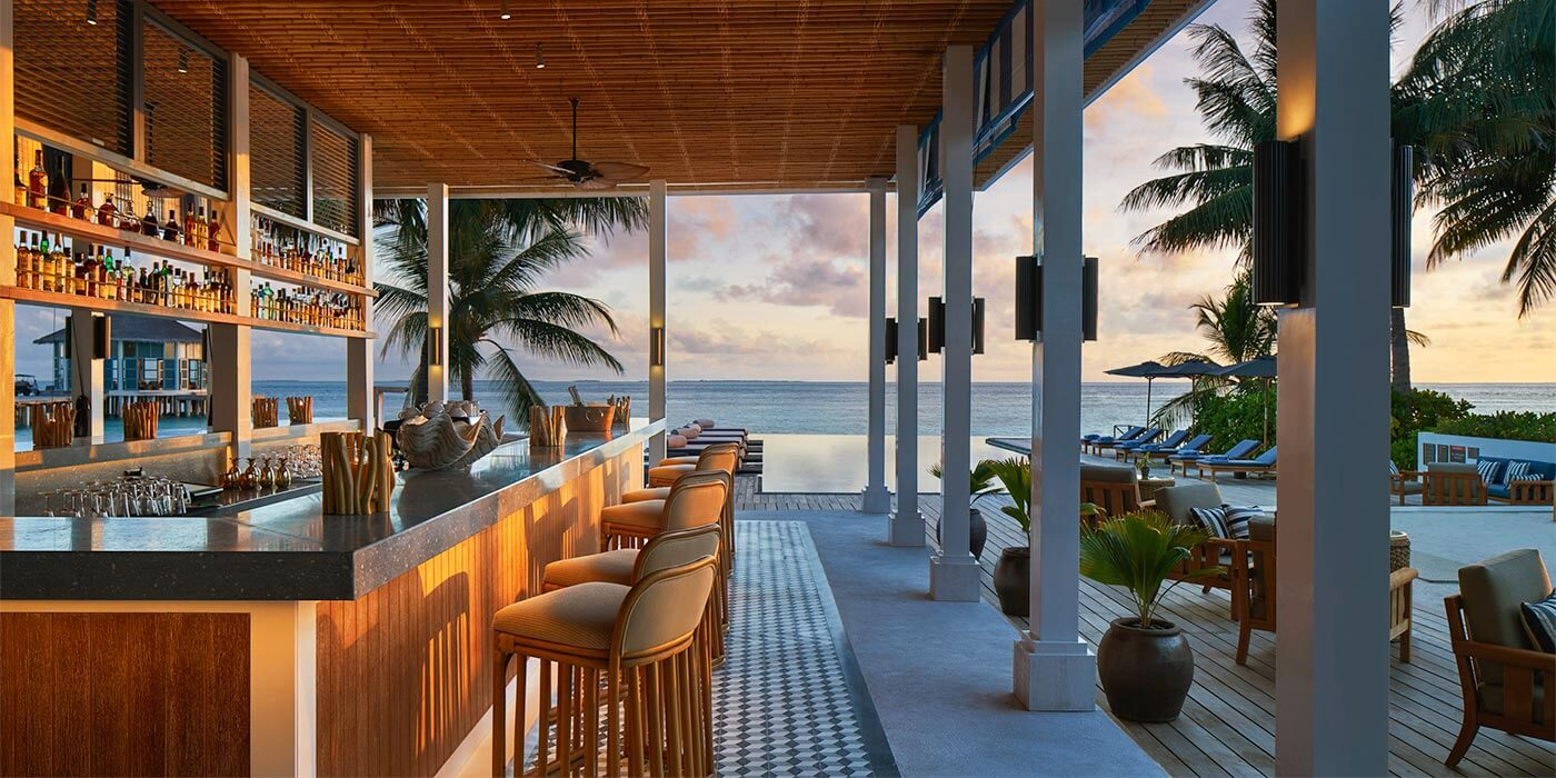 Bar at Raffles Maldives Meradhoo