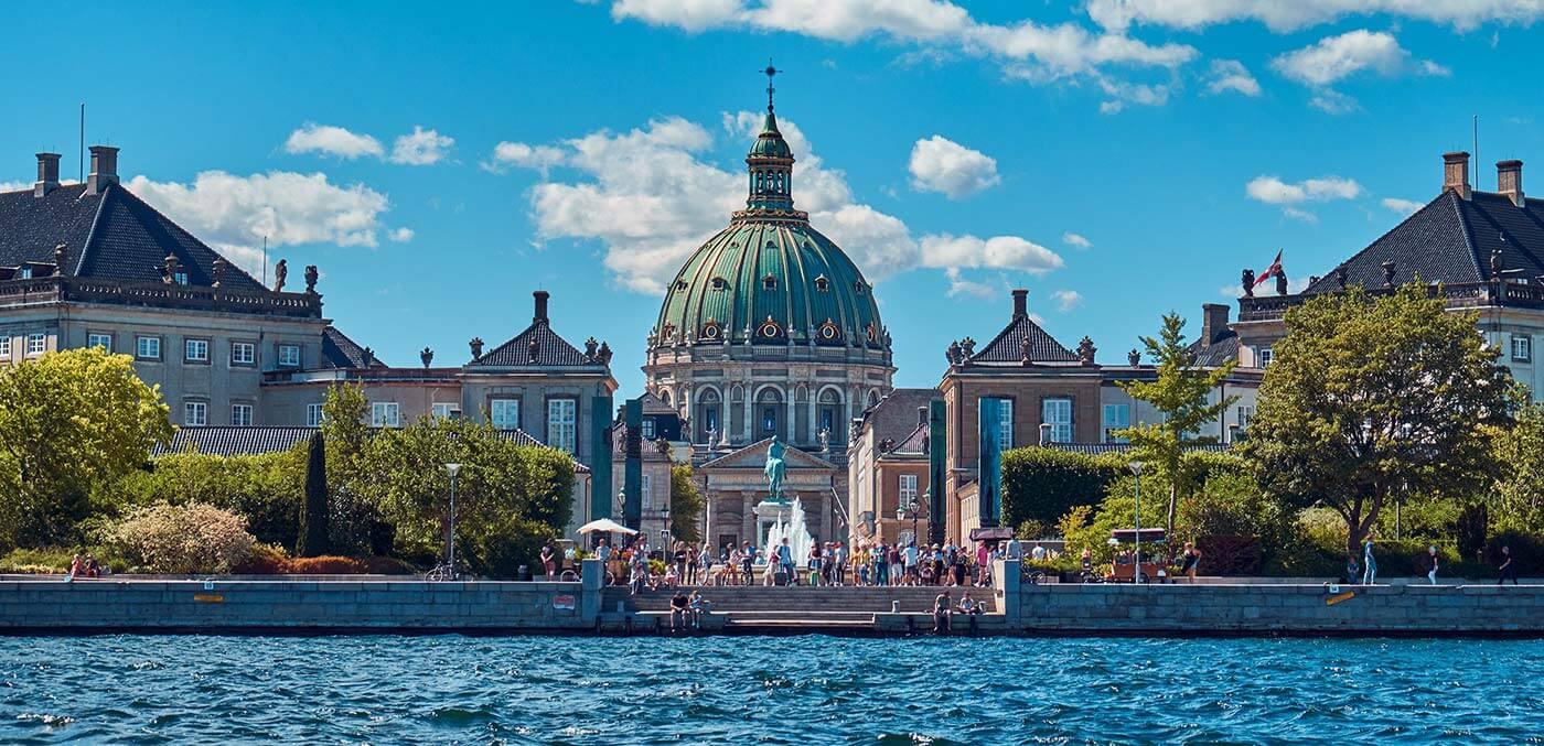 Amalienborg by Badahos