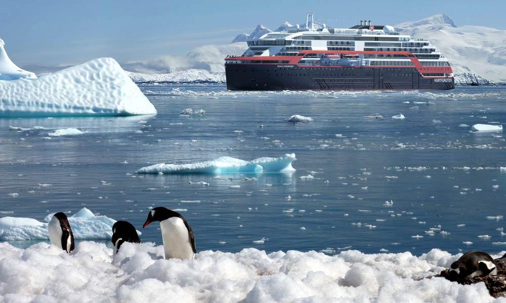 Hurtigruten's MS Roald Amundsen
