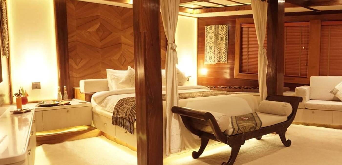 Bedroom, Lamina