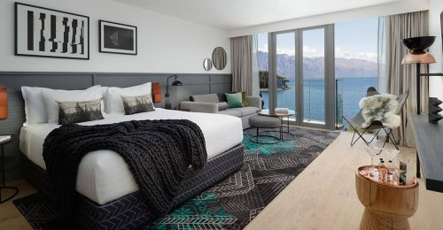 QT Queenstown Lakeview Room