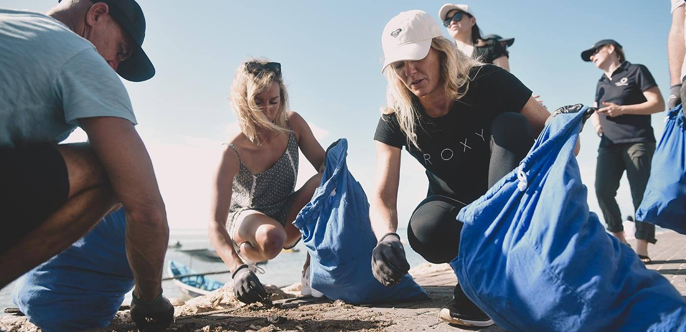 Breitling beach cleanup
