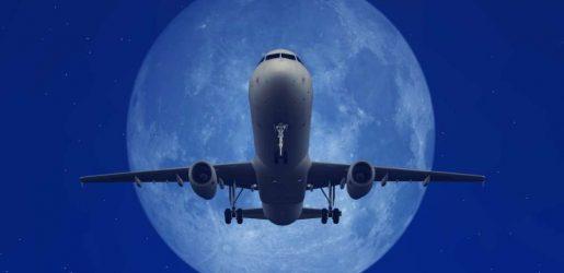 Qantas launch new supermoon scenic flight © Canva