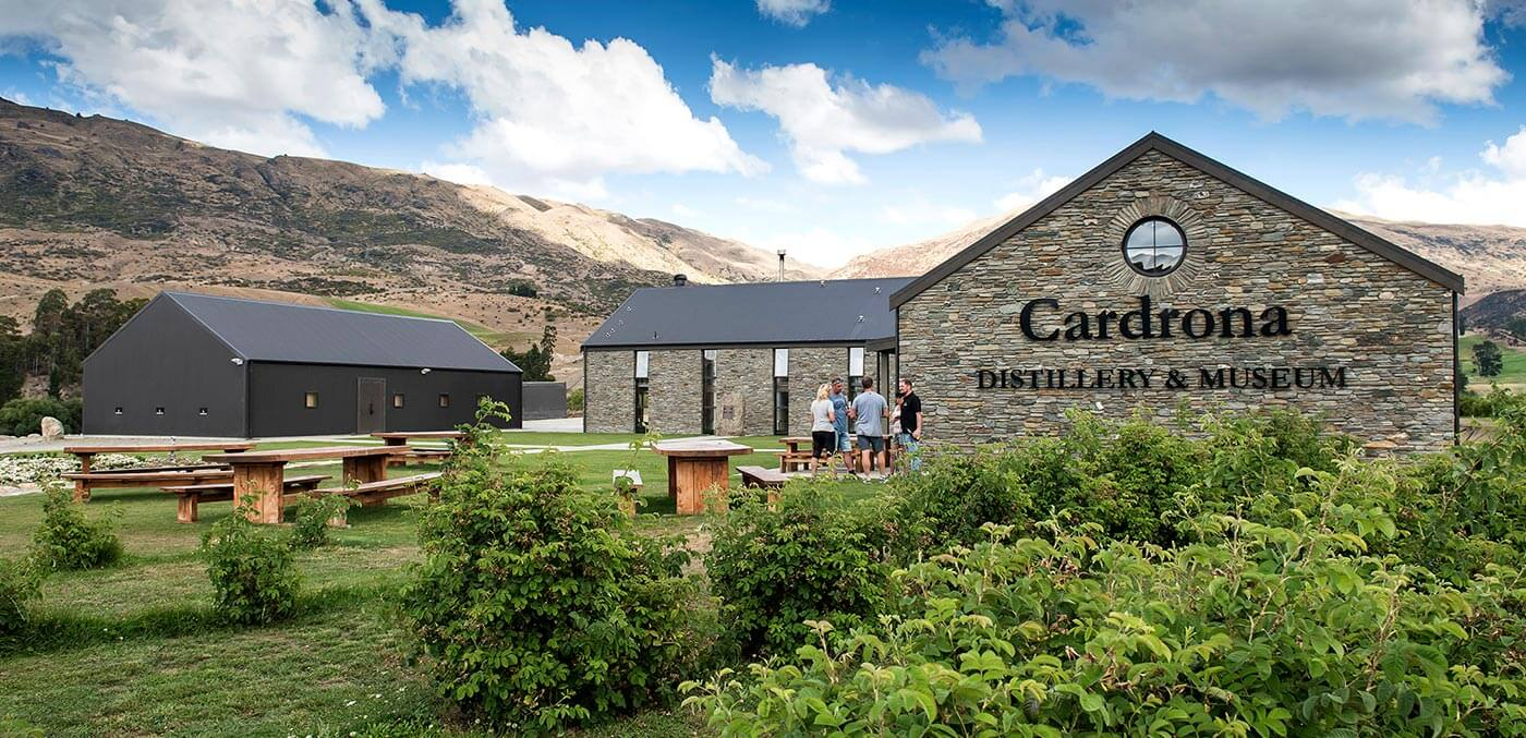 The best bars and wineries in Queenstown -Alpine Luxury Tours offers a taste of Cardrona