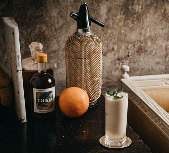 Grape milk non-alcoholic cocktail