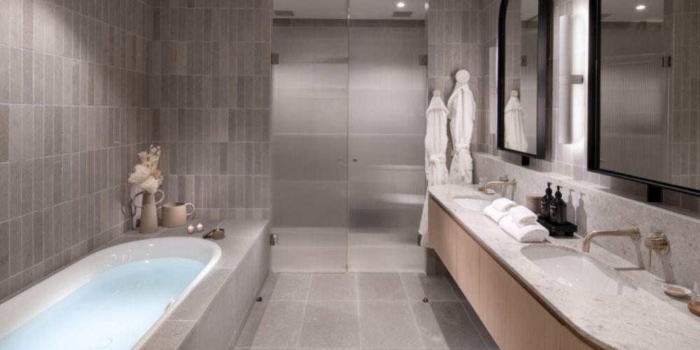 View Suite bathroom