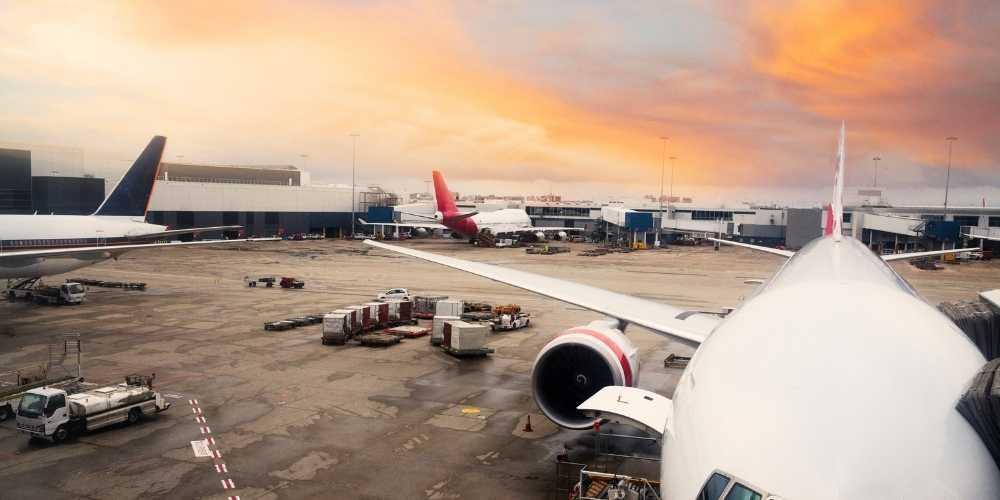 Sydney Airport Qantas vaccination rewards