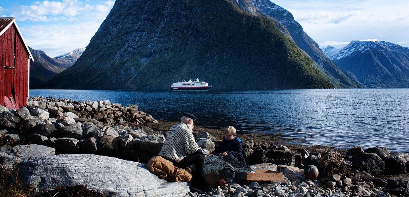 Hjorundfjord, Norway